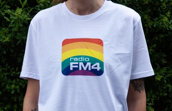 """FM4 Shirt """"Pride"""" weiß"""