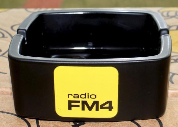 FM4 Aschenbecher